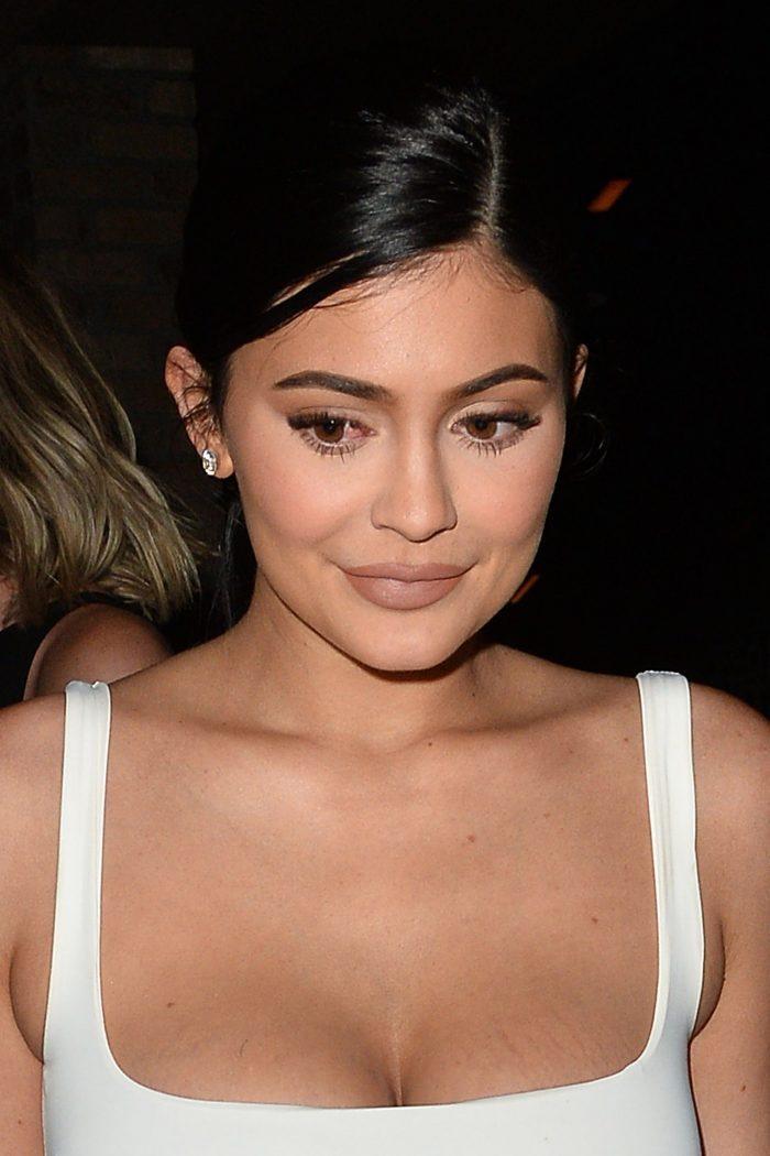 Kylie Jenner folosește un parfum ieftin!