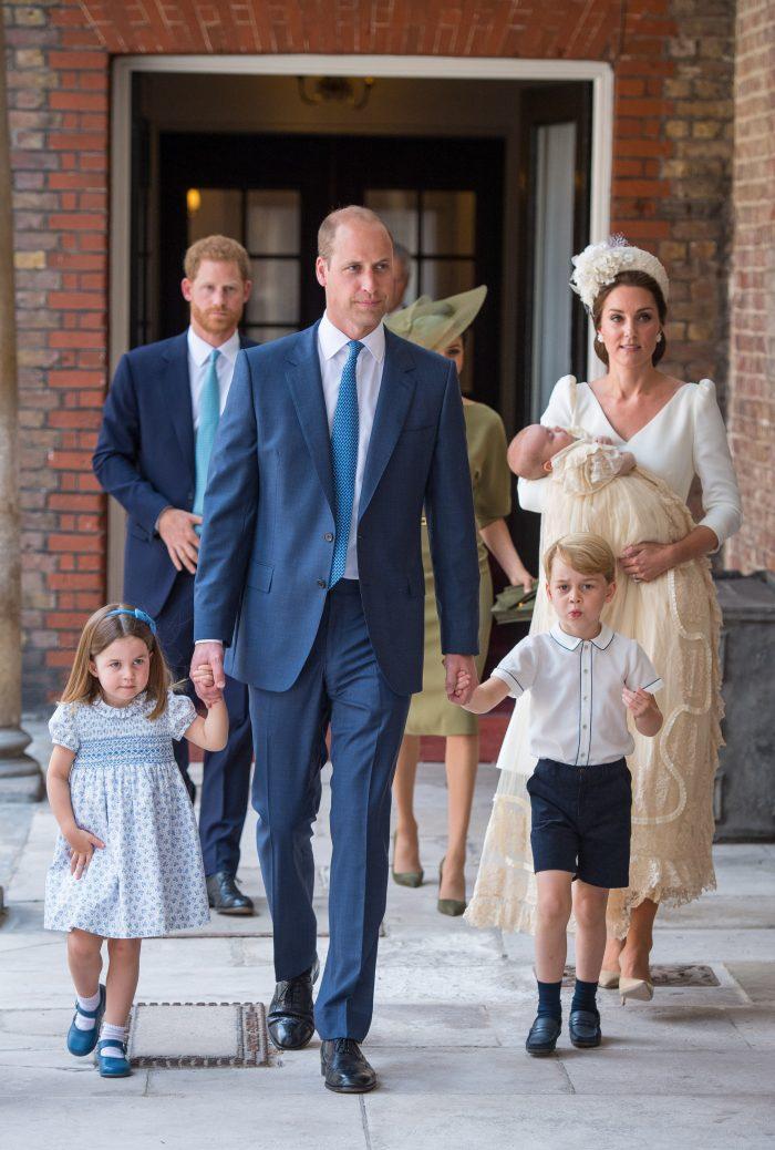 """La botezul fratelui ei, Prințesa Charlotte a """"băgat spaima"""" în paparazzi!"""
