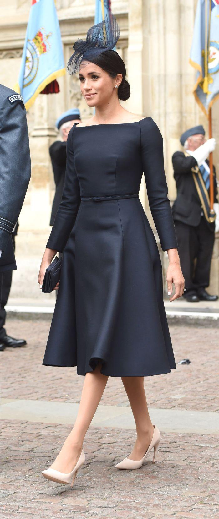 Deși nou-intrată în familia regală, Meghan Markle deține și ea un loc fruntaș în topul celor mai bine îmbrăcate personalități.