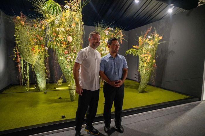 Nicu with Minister Desmond Lee