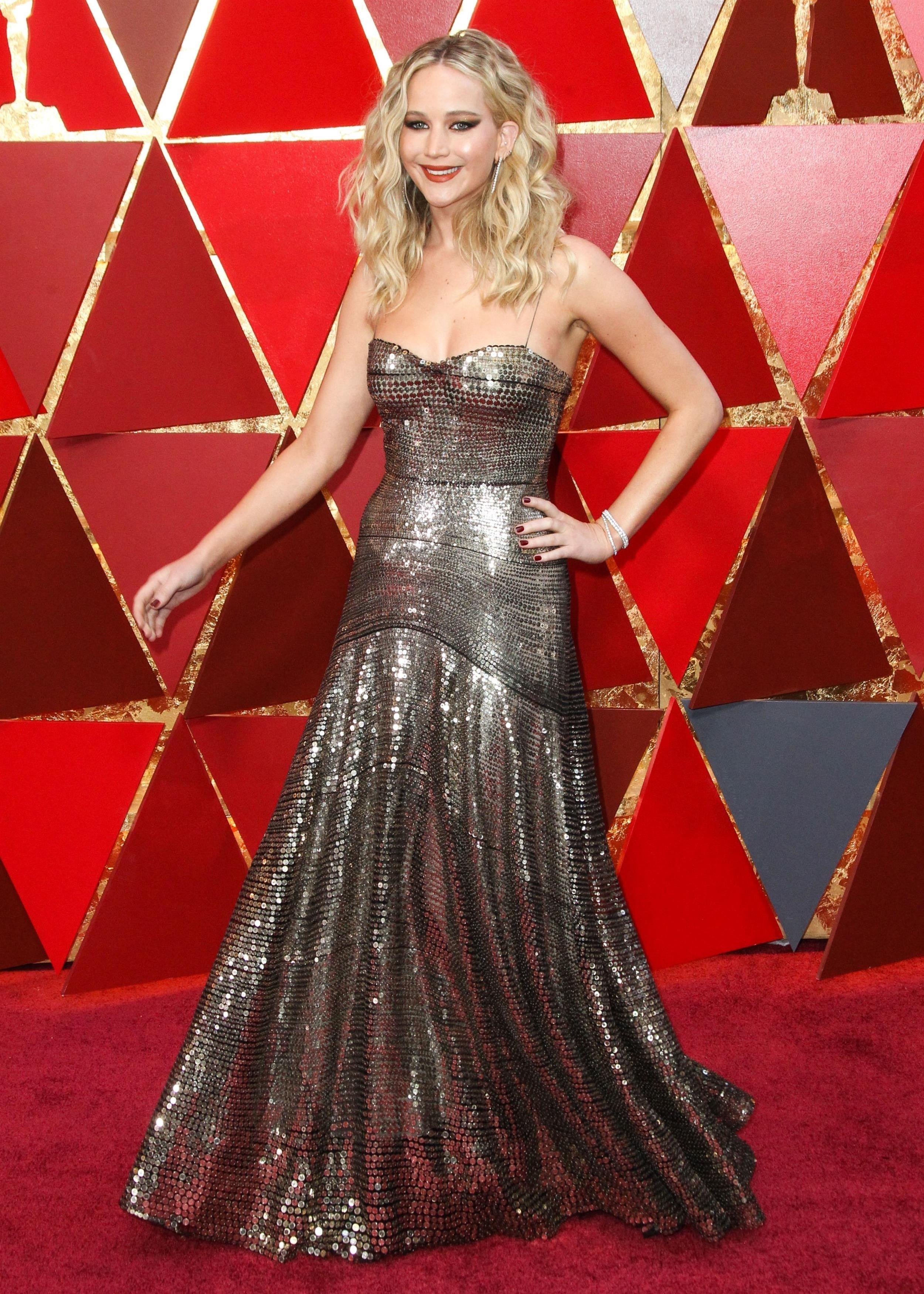 Jennifer Lawrence a fost victima unui hacker!