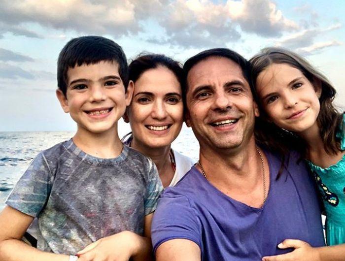 imagine cu familia lui Dan Negru