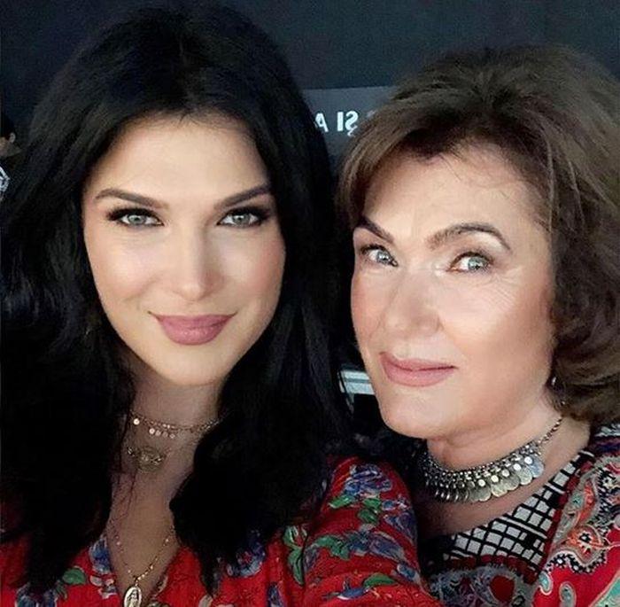 Monica Bârlădeanu și mama ei