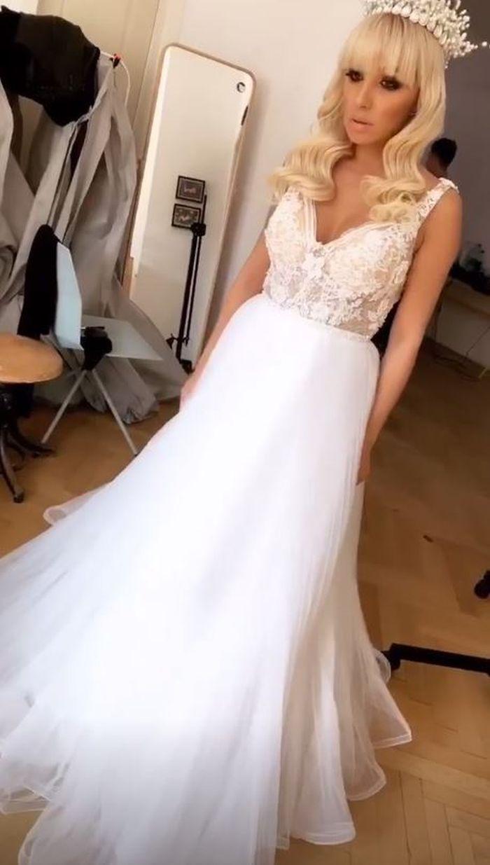 Sorana, în rochie de mireasă