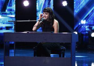 """Poveste emoționantă pe scena """"X Factor"""": """"O tânără din America a venit în România pentru a-și cunoaște mama"""