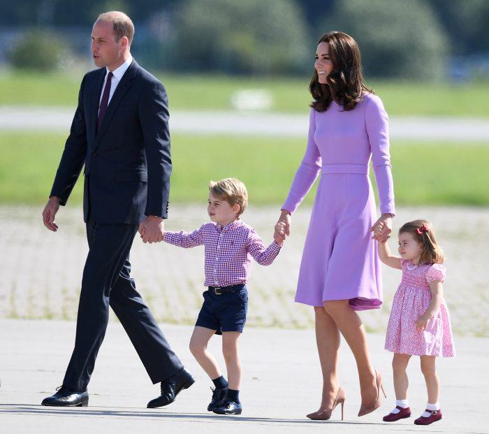Kate Middleton, alături de Prințul William și de copiii lor, în 2017, înainte de a rămâne însărcinată cu al treilea copil.
