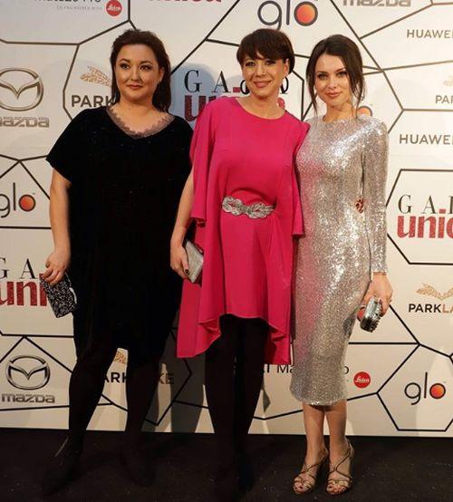 Anca Dumitra Gianina din Las Fierbinti - dreapta, Mirela Opriso - centru, Ecaterina Tugulea -stanga