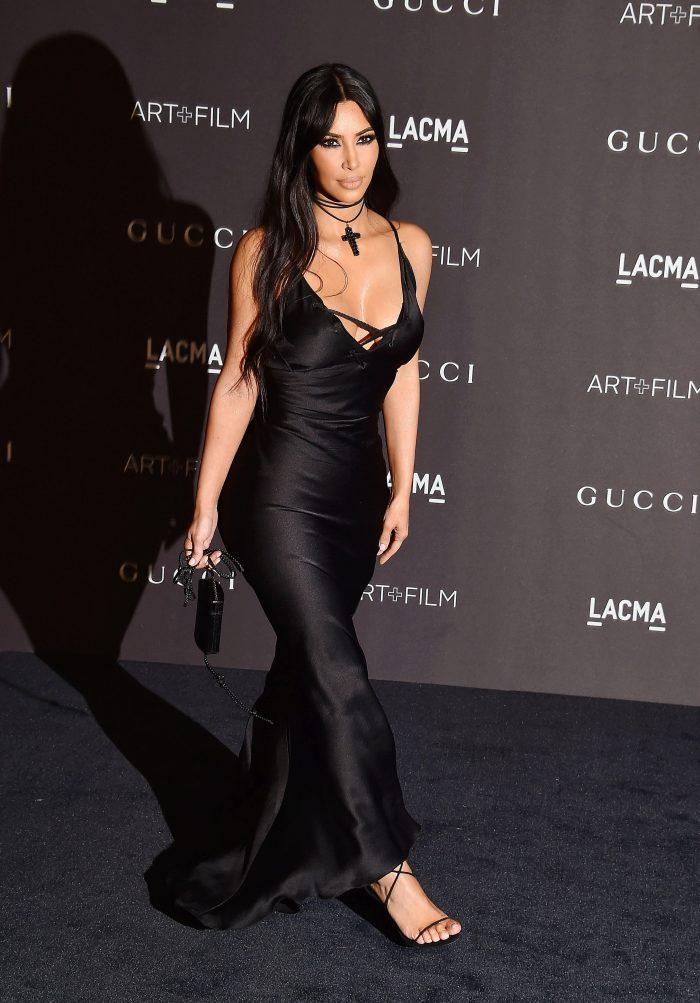 Kim Kardashian a arătat impecabil. Mai puțin geanta... (LACMA Art + Film Gala)