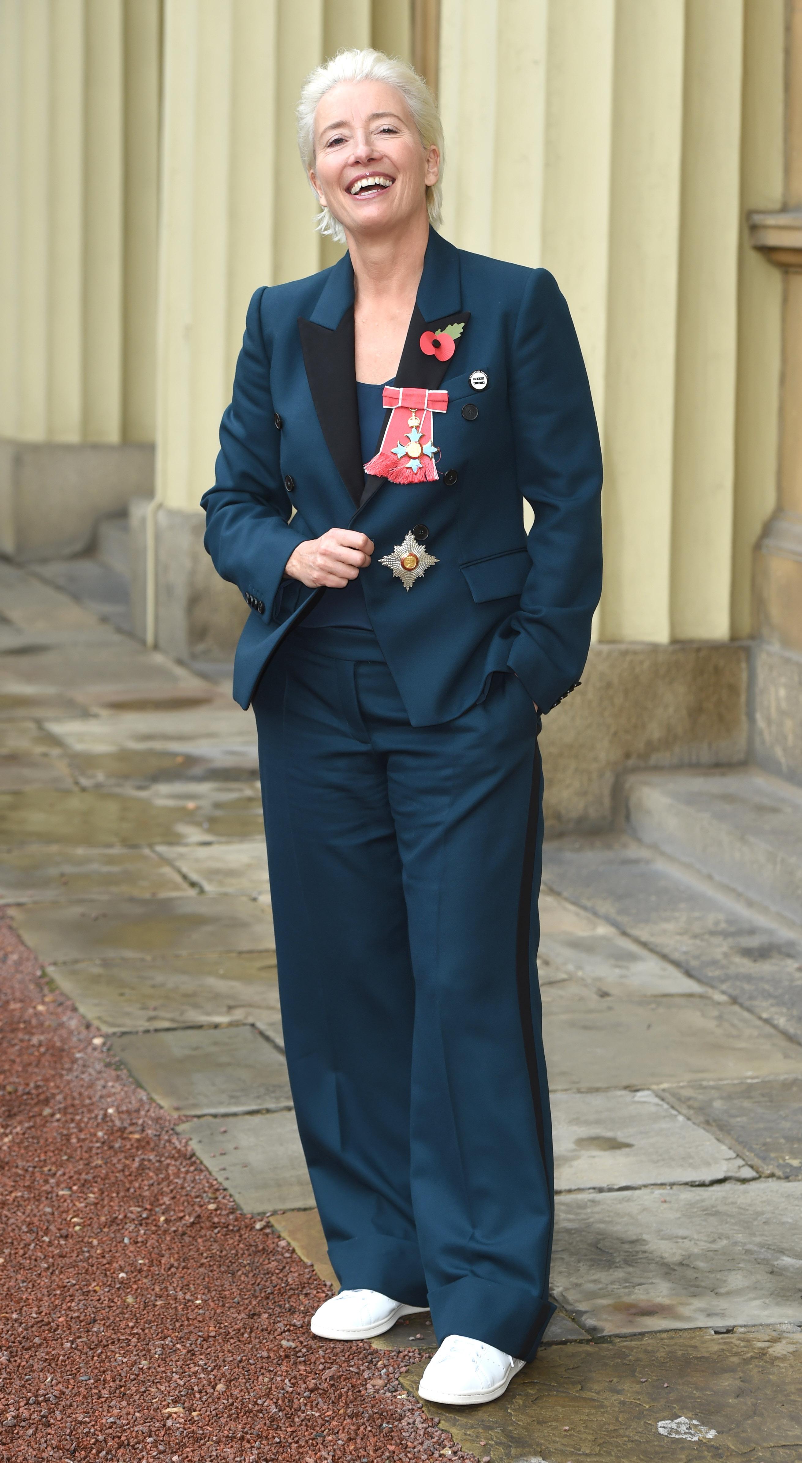 Emma Thompson a fost înnobilată cu titlul de Comandor al Ordinului Imperiului Britanic, la Palatul Buckingham.