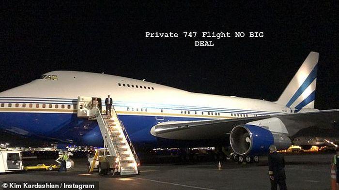 Kim Kardashian s-a lăudat cu zborul privat cu un Boeing 747, dar nu a fost cea mai bună idee...