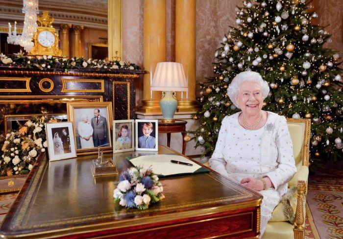 Elisabeta a II-a petrece Cr[ciunul la Sandringham alaturi de familie.