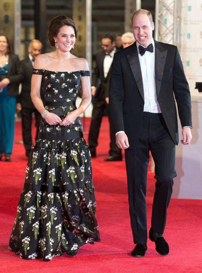 La BAFTA 2017, Kate Middleton a purtat o rochie creată de Alexander McQueen