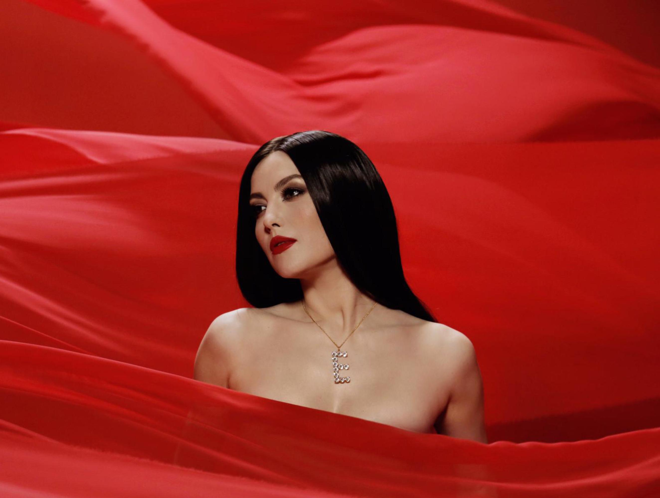 Elena Gheorghe schimbare de look pentru videoclipul Turboman