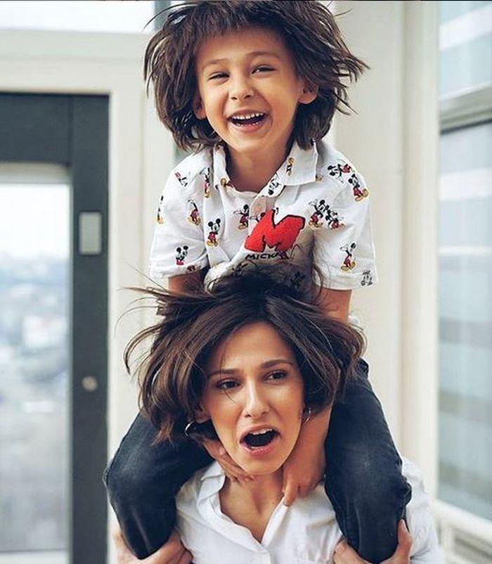 Dana Rogoz și fiul ei de cinci ani, Vlad