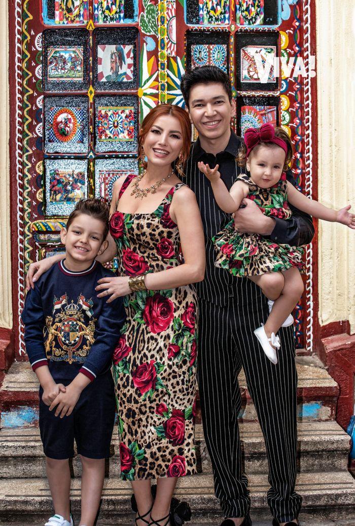 Elena Gheorghe si familia în VIVA de aprilie