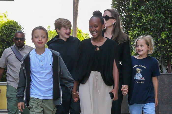 După despărțirea de Brad Pitt, Angelina Jolie și-a răsfățat foarte mult copiii...
