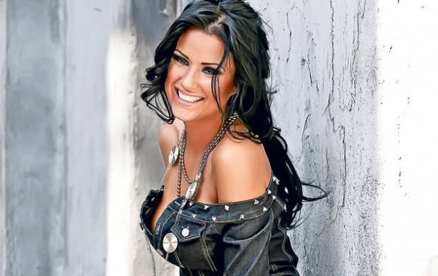 Fanii îi reproșează Danielei Crudu că era mai frumoasă fără operații estetice