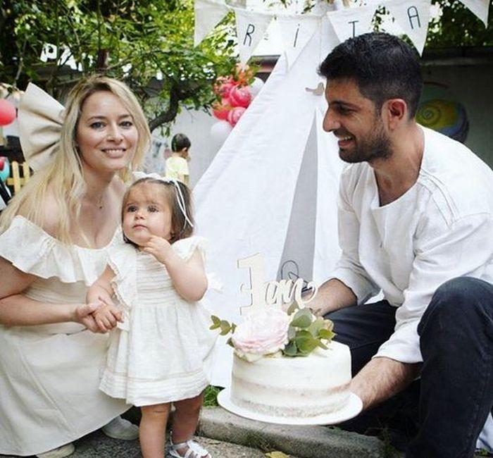 Laura Cosoi, Cosmin Curticăpean și fiica lor, Rita