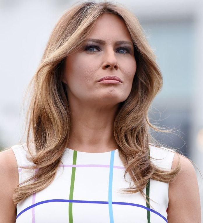 Melania Trump, ironizată din cauza rochiei purtate de Ziua Americii!