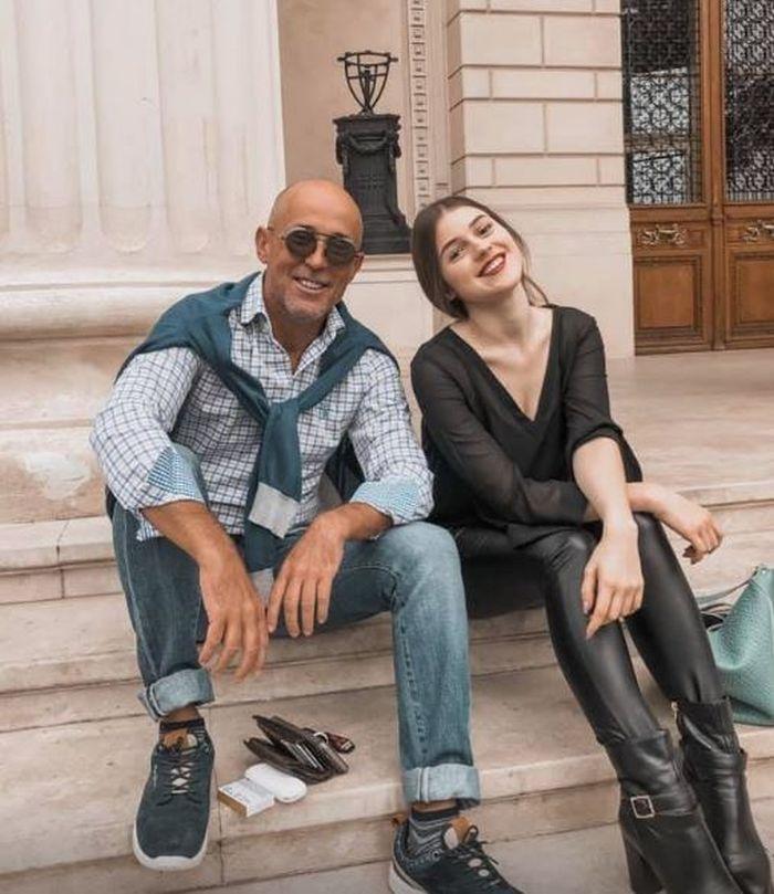 Mugur Mihăescu și fiica lui, Ivona