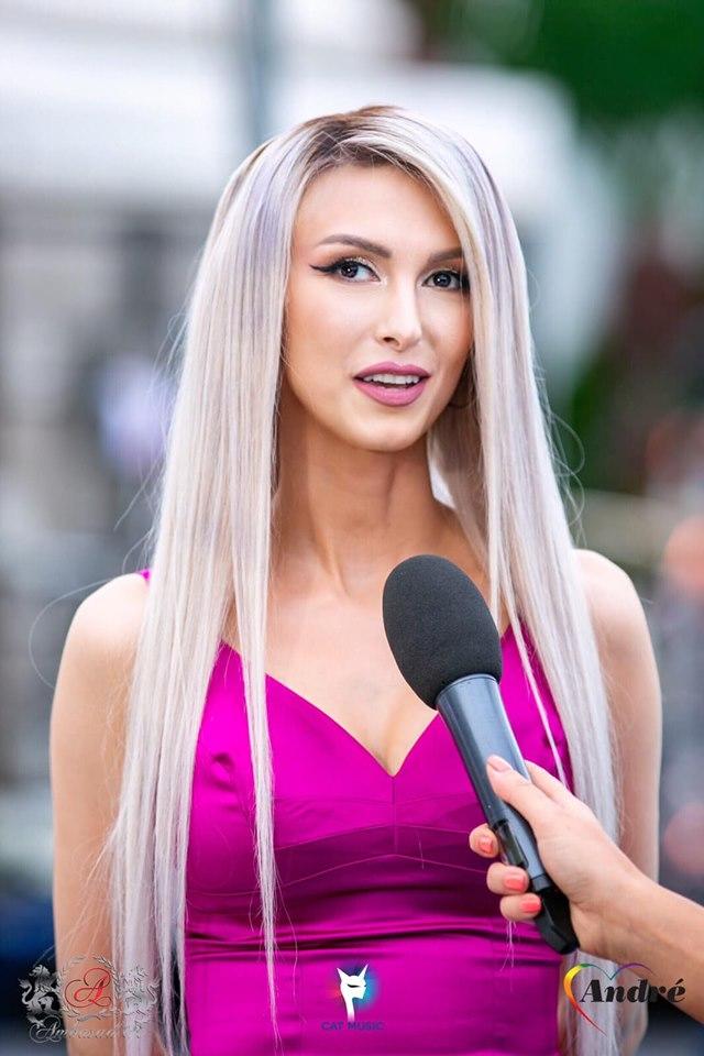 """Andreea Bălan face terapie. De ce """"Mădălina Manole nu a fost sfătuită de apropiații ei și a ajuns la ce a ajuns.. (1)"""