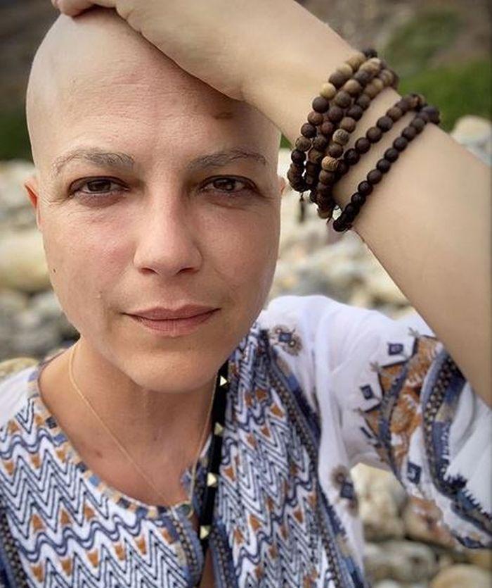 Selma Blair urmează un tratament experimental ce presupune chimioterapie
