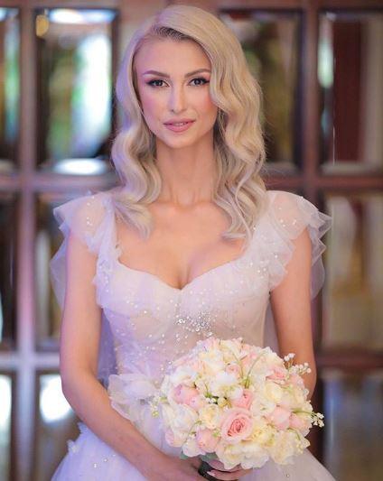 Andreea Bălan, în prima rochie de mireasă
