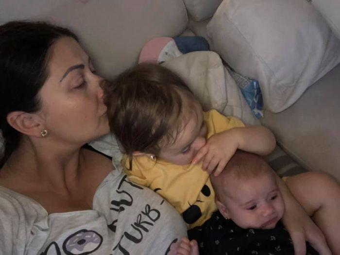 Gabriela Cristea și fetițele ei