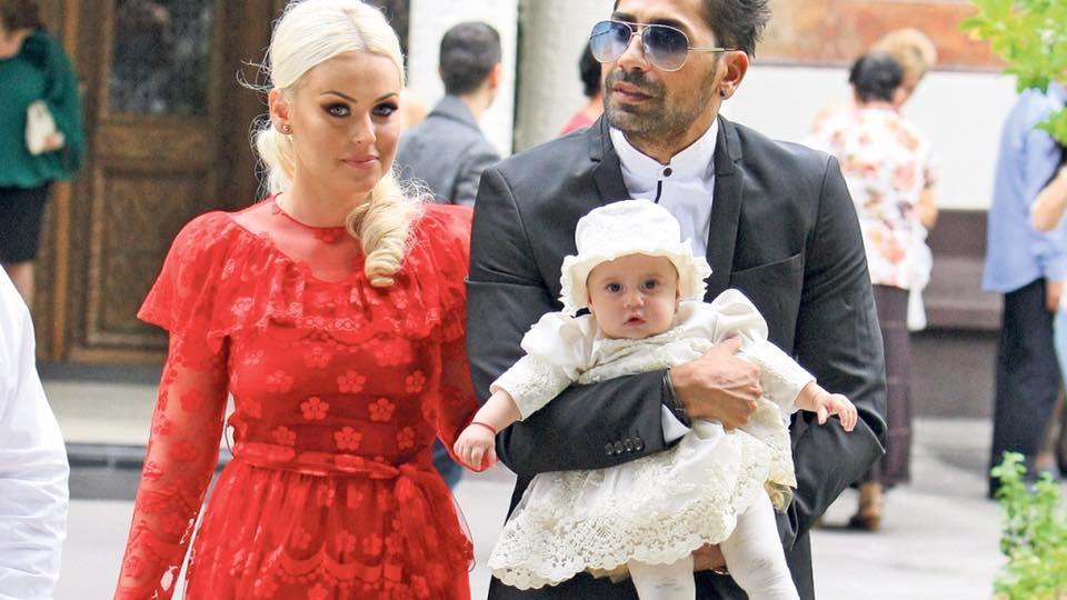 Connect-R şi Misha, alături de fiica lor