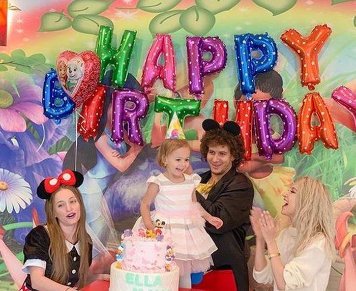 Fetița Andreei Bălan, Ella, a împlinit trei ani