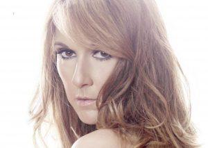 Cum arată Celine Dion în costum de baie, la 52 de ani. Anul trecut a fost acuzată că suferă de anorexie, acum e mai sexy ca niciodată