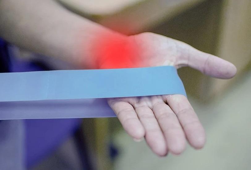Artrita, o afecţiune reumatologică ce poate apărea la orice vârstă
