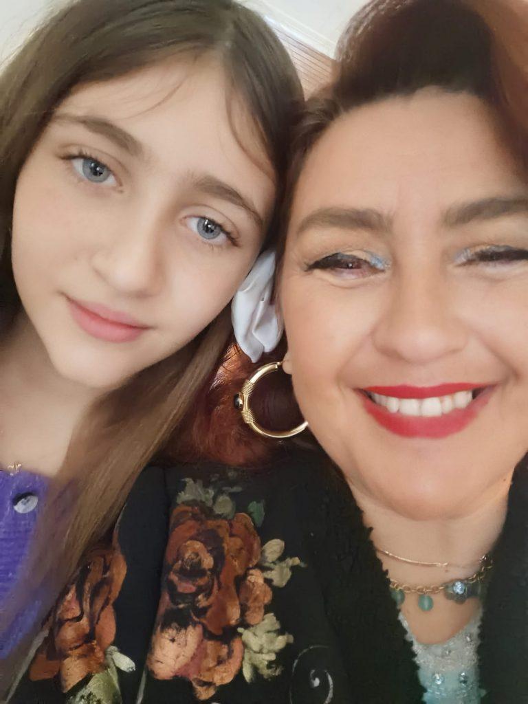 Rona Hartner are o fiică adolescentă. Cum arată acum Rita Sumalya | Galerie foto, Stiri, Vedete si Evenimente | Viva.ro