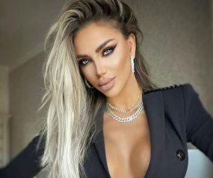 Bianca Drăgușanu și-a făcut implant de sprâncene. Ce probleme are după intervenție