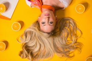 (P) 5 Sfaturi de frumusețe pentru un ten strălucitor și un păr puternic