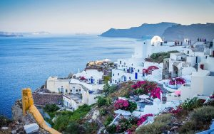 Grecia este în zona roșie! Turiștii români, avertizați să evite 13 insule grecești