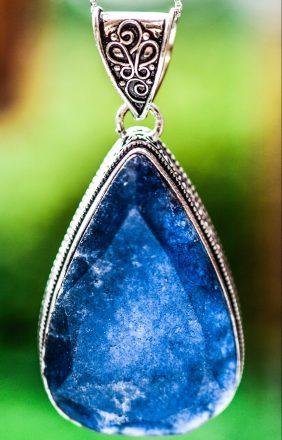 Cum alegi bijuteria perfectă cu tanzanit? 4 sfaturi utile dacă te pregătești să o cumperi!