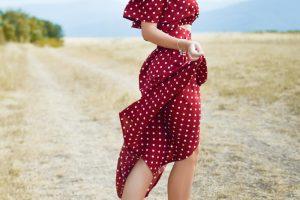 Cum să porți hainele cu buline – de la rochii, la bluze și fuste