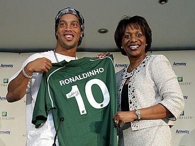 Ronaldinho, Candace Matthews