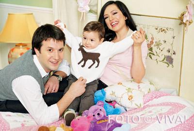 Andi Moisescu, David, Olivia Steer