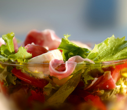 salata cu prosciuto
