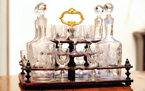cave a liqueurs Empire