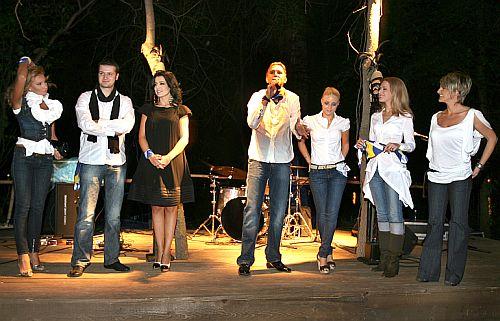 Roxana Vasniuc, Adrian Rozenberg, Simona Patruleasa, Cosmin Cernat, Bianca Ionita, Madalina Morosanu, Silvia Ionita