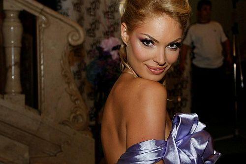 Valentina Pelinel Imaginea Oriflame Romania